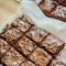 Knapperige, <em>fudgy</em> brownies