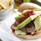 Tex-mex-burger met avocado en nacho's