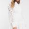 Korte kanten jurk met opstaand kraagje en knopen
