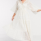 Korte jurk met gehaakte body en losse mouwen