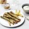 Krokante asperges met peterselie-korianderdip