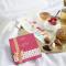Une boîte de chocolats avec un message by Neuhaus