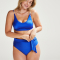 Blauwe bikini met pareldetails