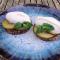 Tartelette van dadels en amandelen met kiwi en IJslandse skyr (4 pers.)