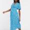 Felblauwe midi-jurk met witte bloemenprint en korte mouwen