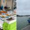 Le marché aux poissons et le port de pêche