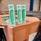 <em>Et voilà</em>: een levering van maar liefst 18.500 vibrators aan onze drukkerij in Roeselare!