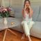 Une séance de yoga facial en ligne