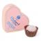 Hartvormige geschenkdoos met chocoladetruffels met gezouten karamel