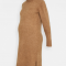 Karamelkleurige midi-jurk met rolkraag, lange mouwen en split