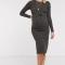 Donkergrijze ribgebreide midi-jurk met lange mouwen en riem