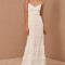 Top minimaliste + jupe longue avec détails en dentelle