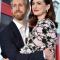 13. Anne Hathaway et Adam Shulman