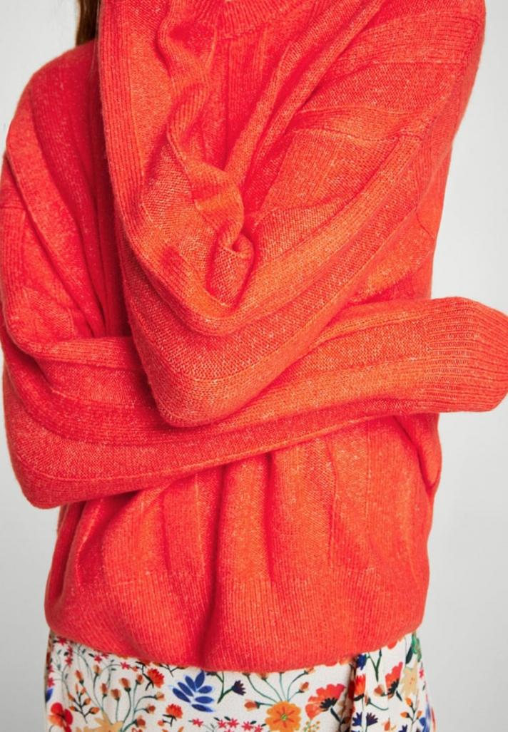 Pull en côte orange