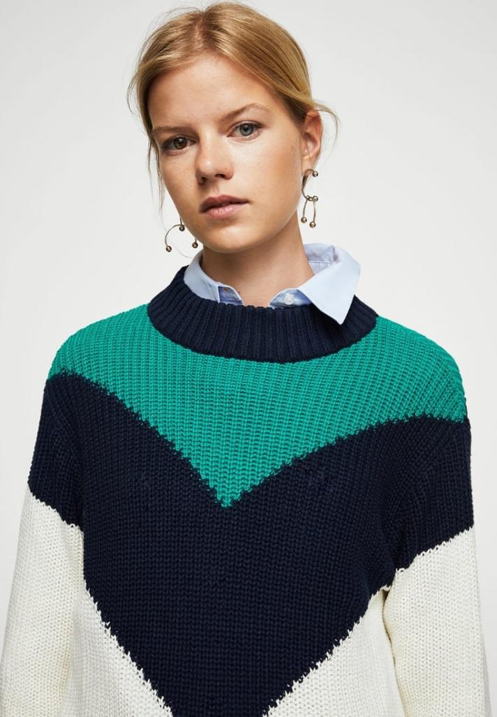Pullover en maille à empiècements tricolores
