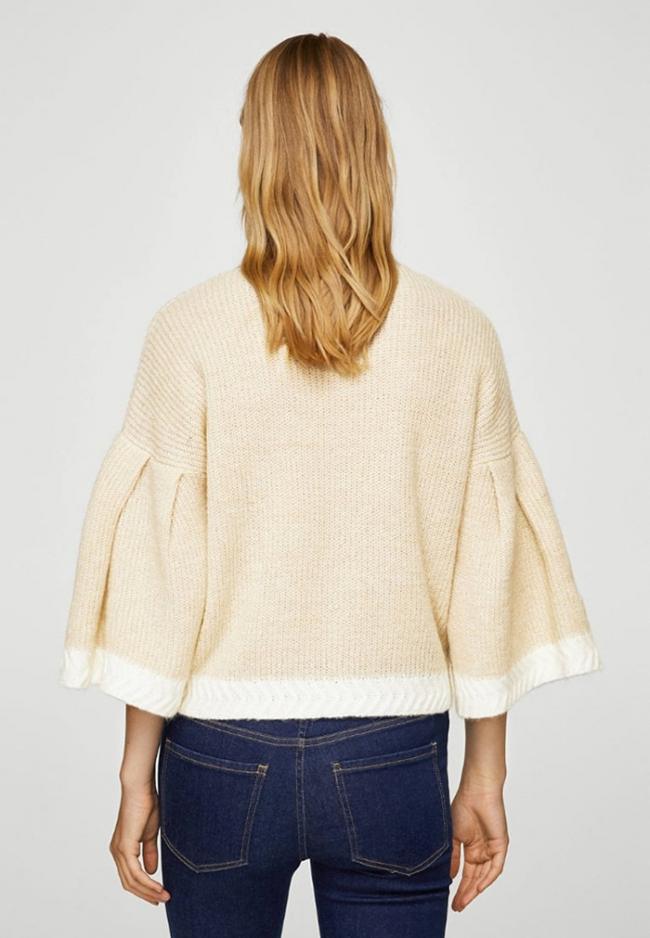 Pull beige court avec manches pagodes