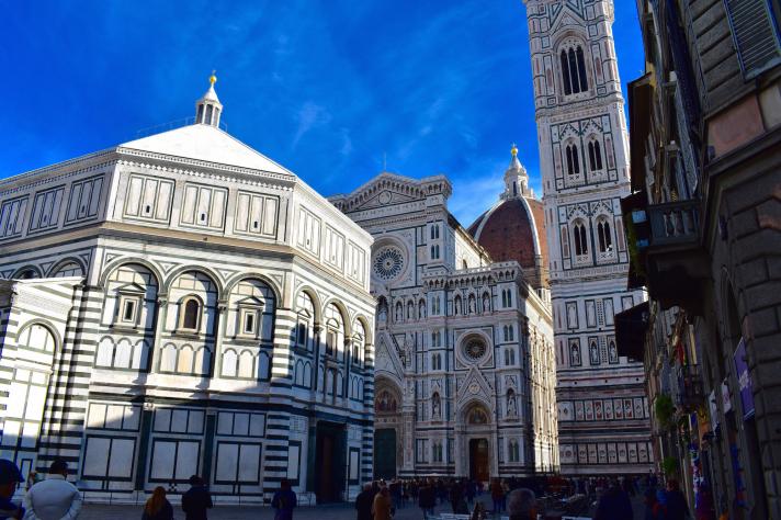 """<span style=""""font-size: 20px;"""">La piazza del Duomo</span>"""