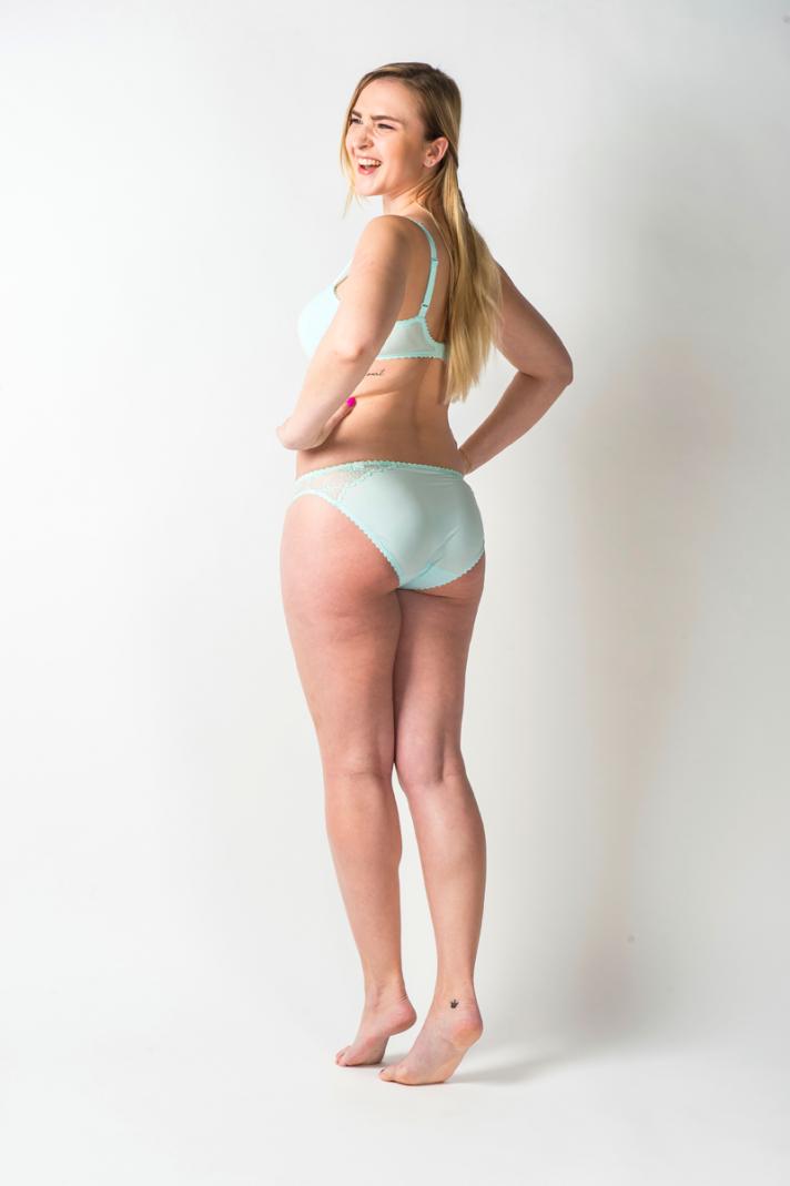 <strong>Nathalie, </strong>26 ans, mesure 1m73 et pèse 68 kilos