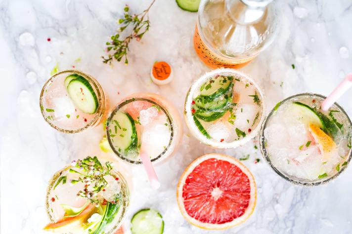 Cocktail au pomelo, basilic et tequila