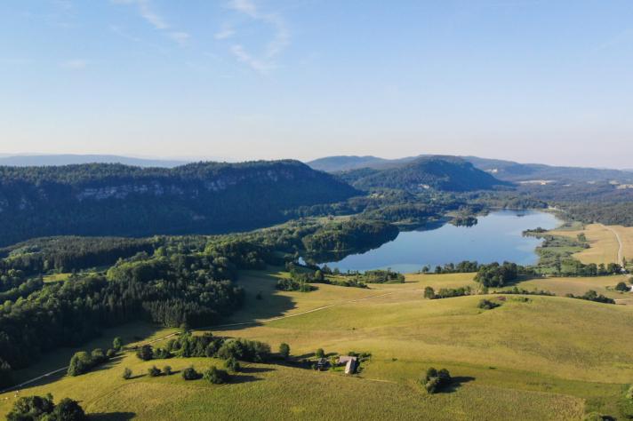 Découvrir les 4 lacs à travers une randonnée