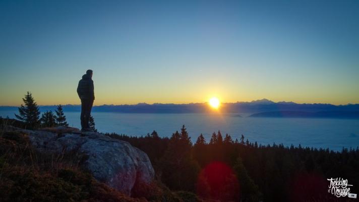 Admirer un lever du soleil sur la Dôle