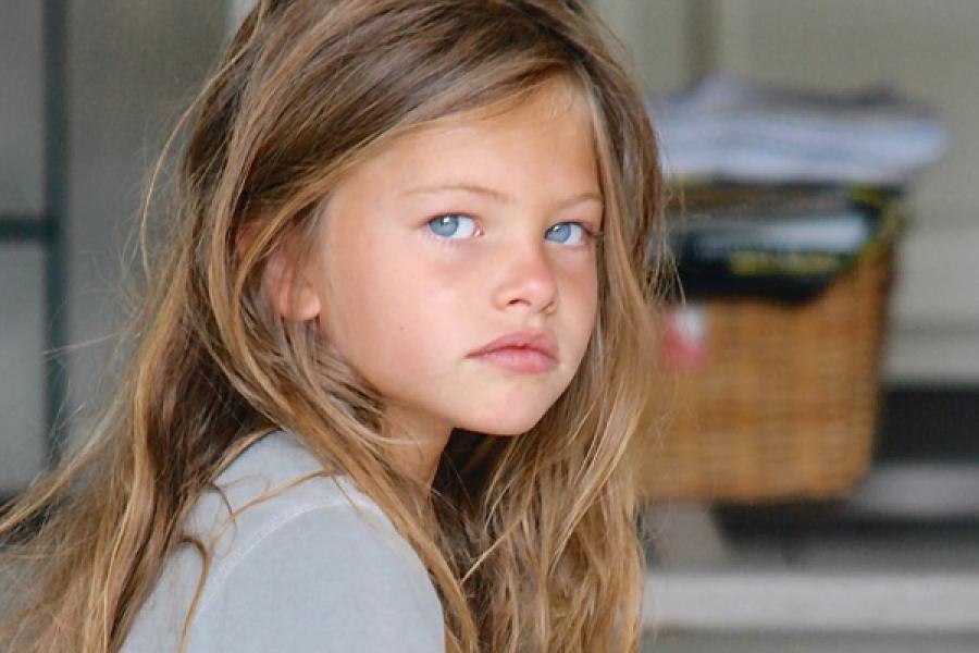 Zien Zó Ziet Het Mooiste Meisje Ter Wereld Er Tien Jaar