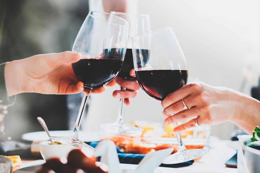 Fles wijn rood