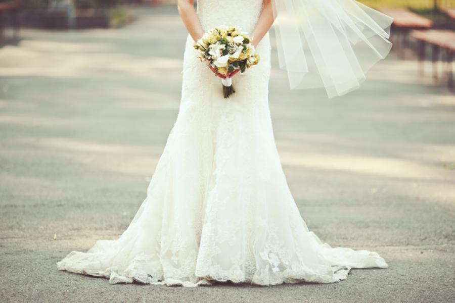 Mariage 7 Bonnes Adresses Pour Louer Sa Robe Ou Lacheter