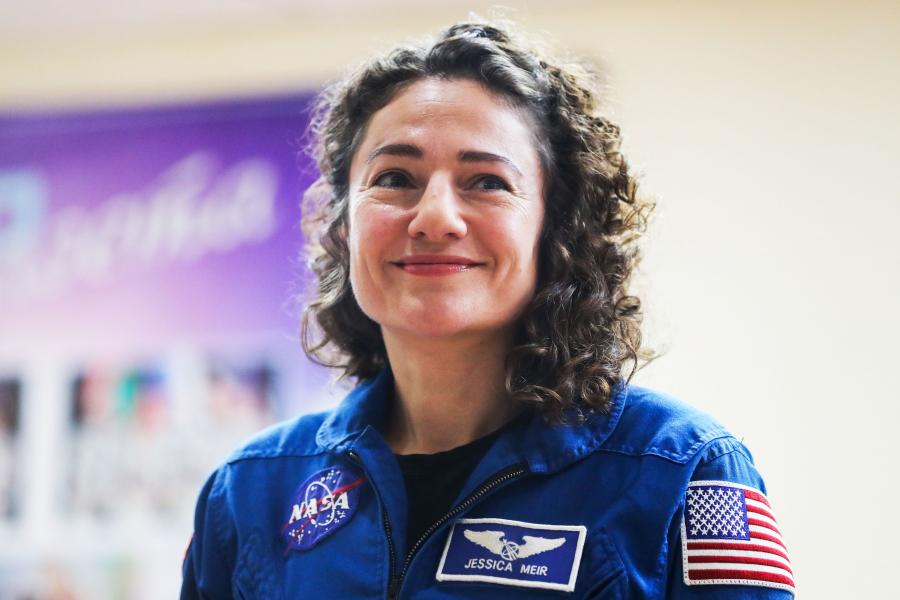 NASA eerste vrouwelijke ruimtewandeling