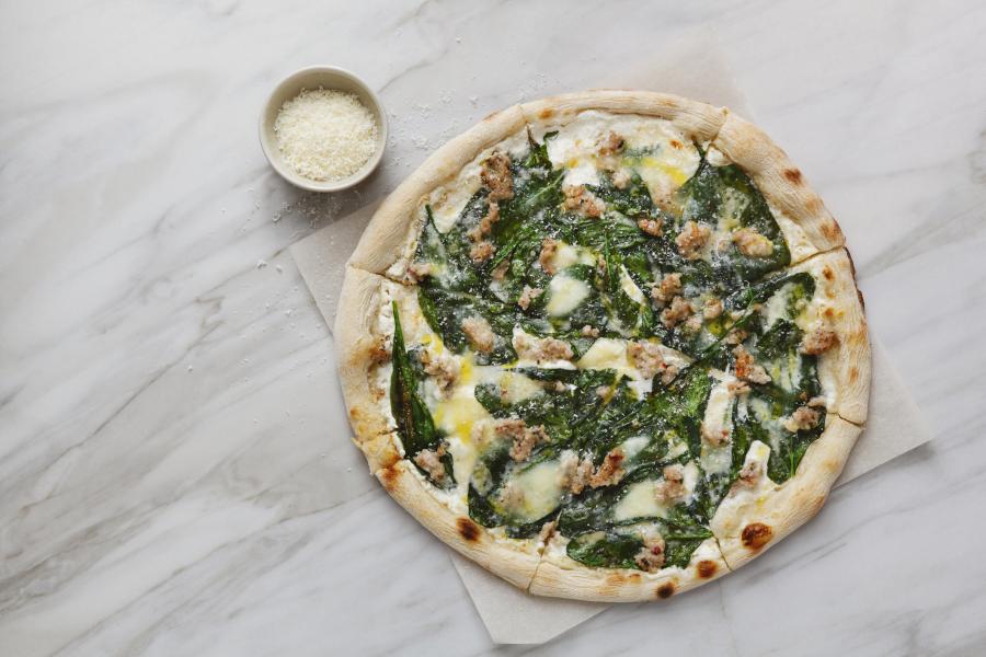 Pizza aux épinards et gorgonzola
