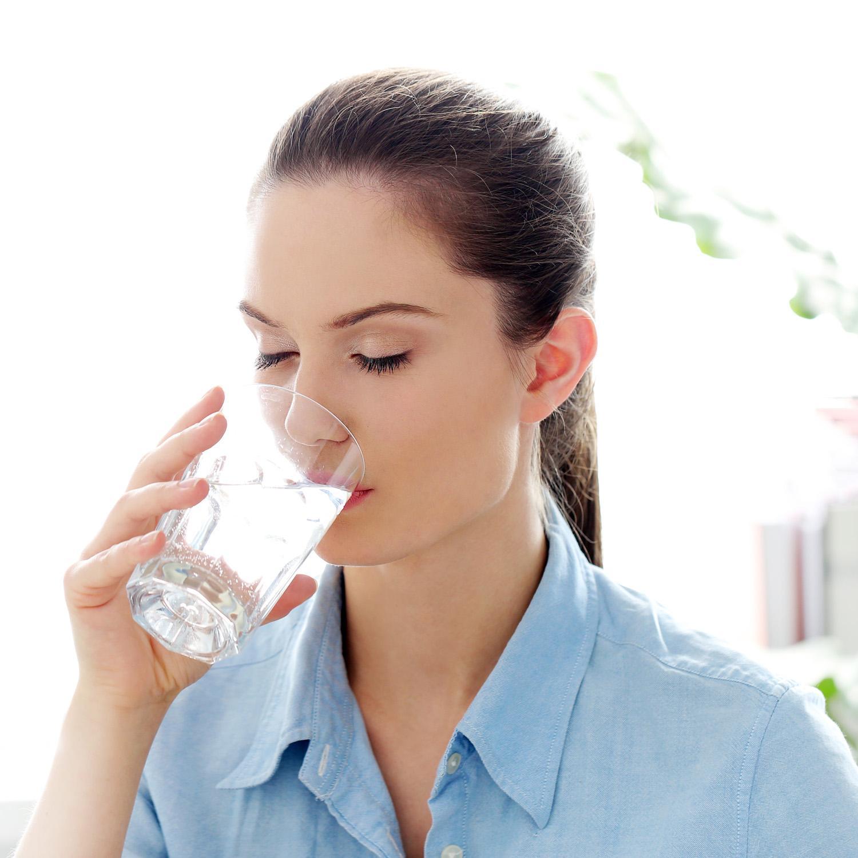 5 Goede Redenen Om Elke Dag 1 5 Liter Water Te Drinken