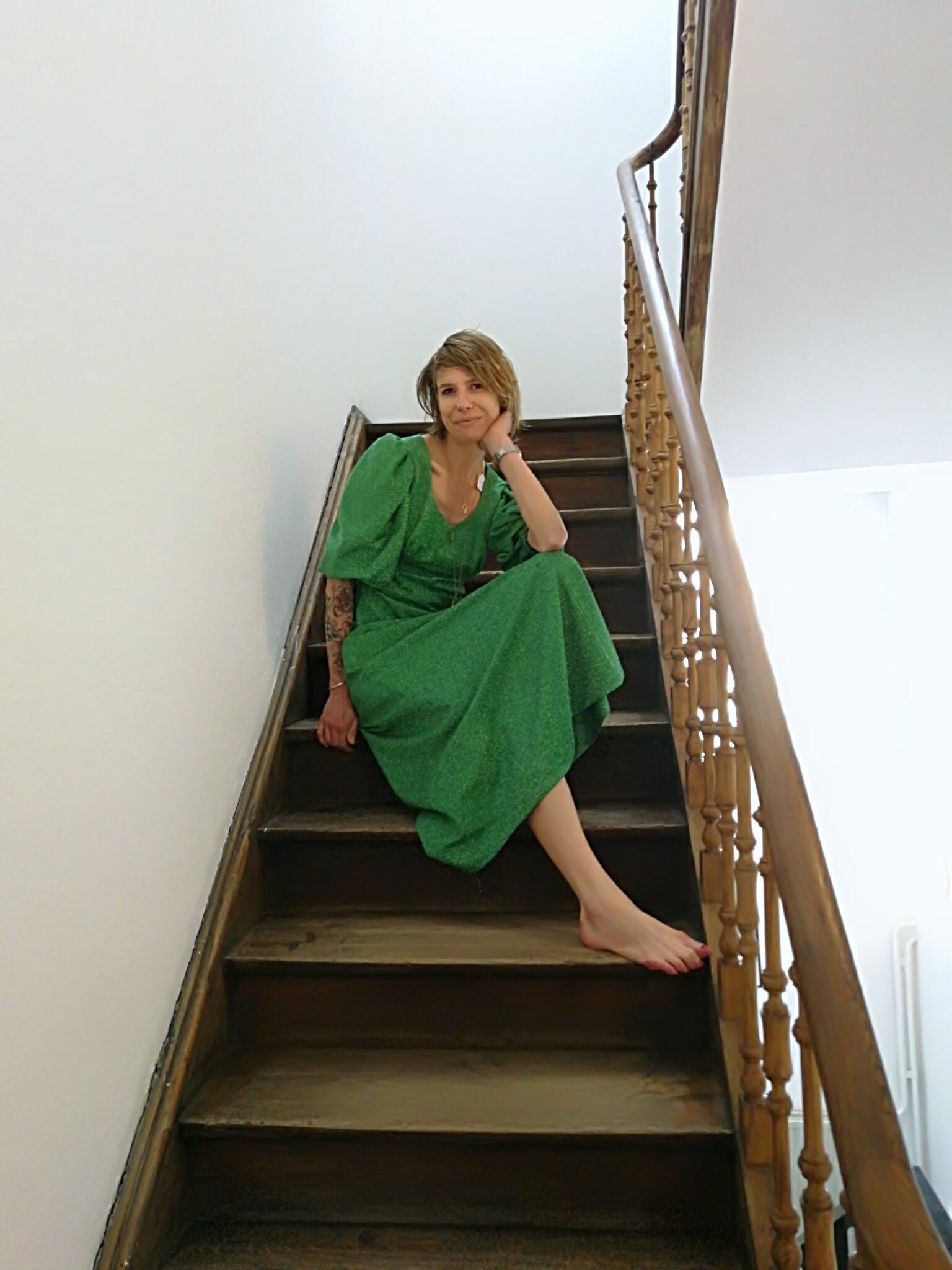 Passionnée de création, mais aussi de vintage, Marie propose, en marge de  son activité de création de robes de mariée, une petite sélection décalée,  ... b604c7459f90