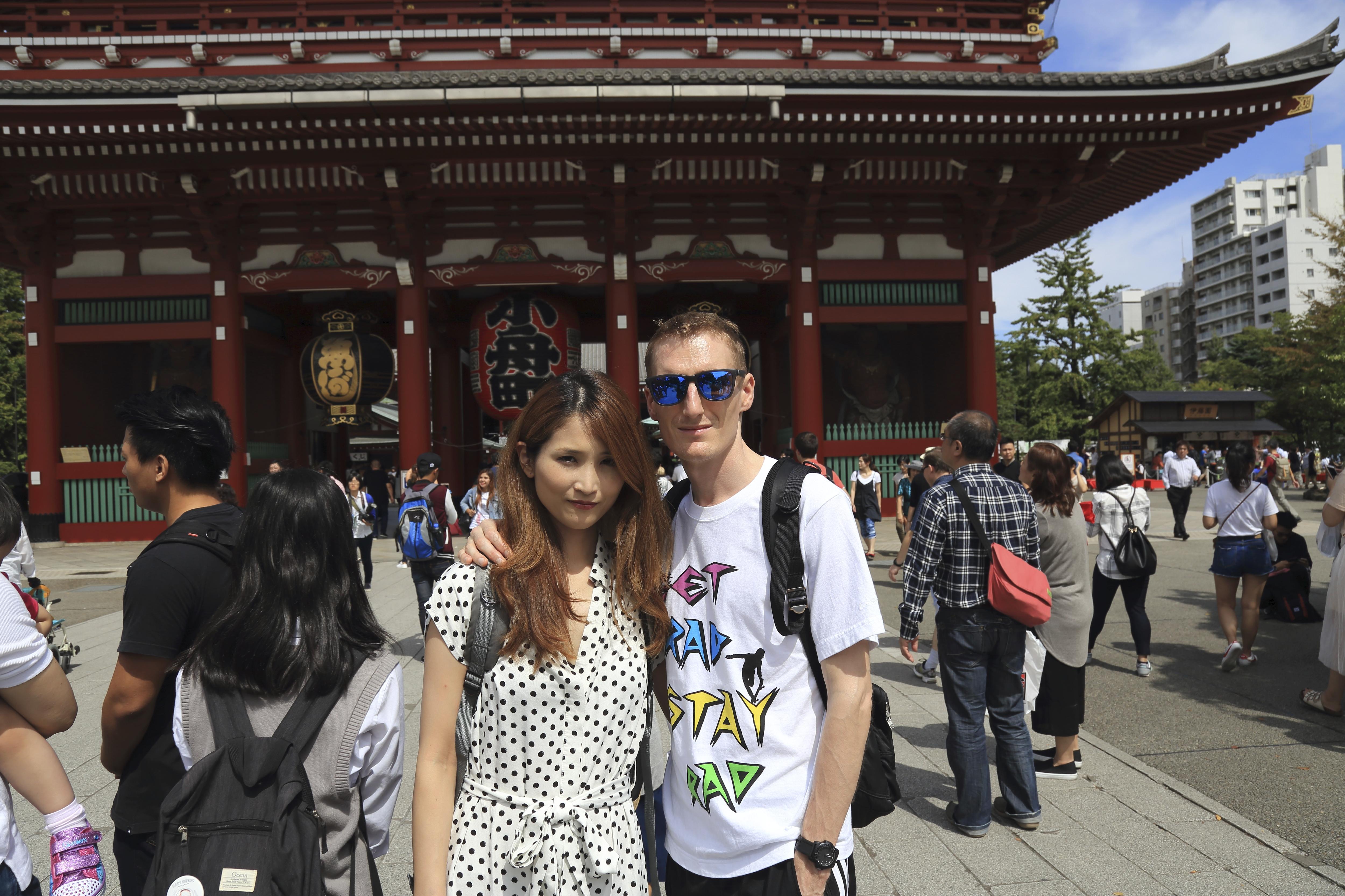 Japanse Lage Tafel.Anne Davis Maakt Haar Langverwachte Reis Naar Japan Beleef Het Mee