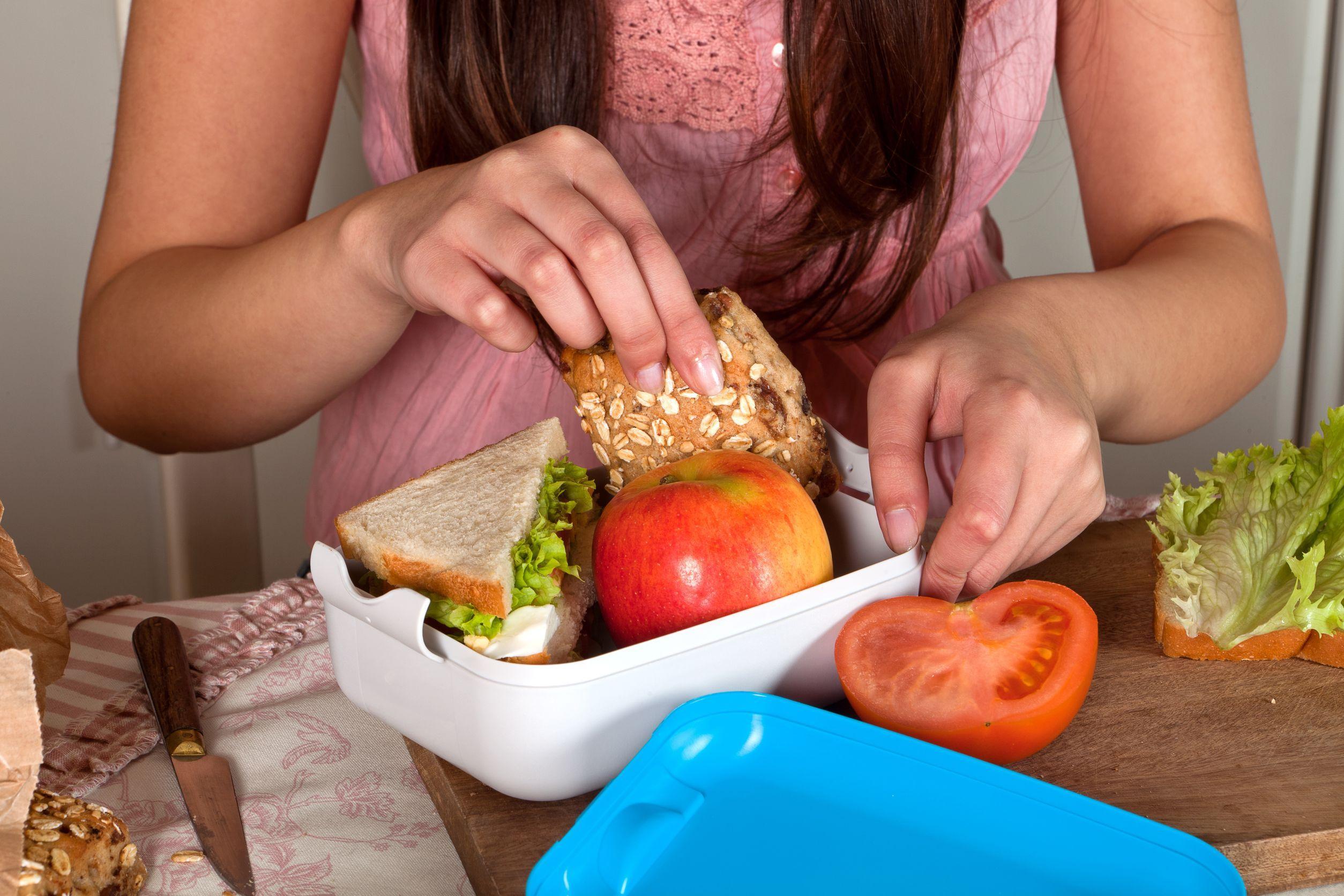 Dit is wat BN-er moeders in de lunchtrommel stoppen