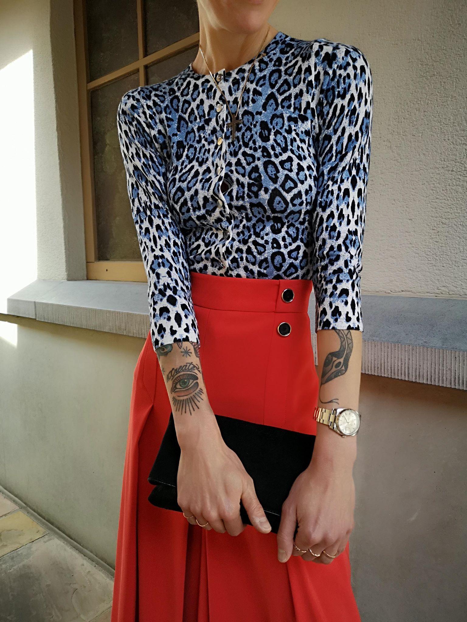 culottes ecartees belle paire de fesse