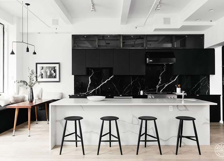 Marmer Zwart Keuken : Keuken met zwart marmer flair be