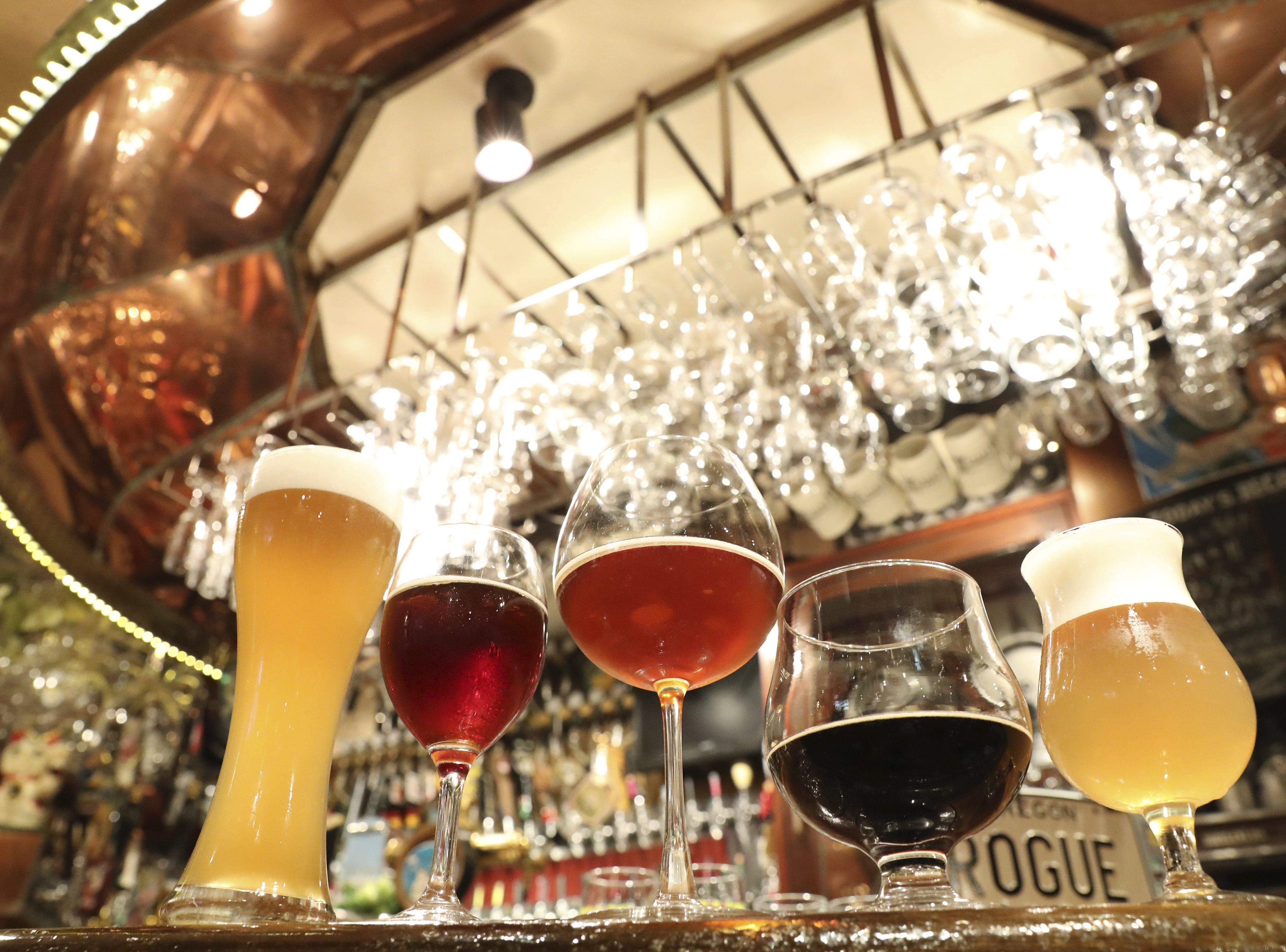 """""""Bière sur vin = venin""""? Une étude détruit ce mythe sur la gueule de bois"""