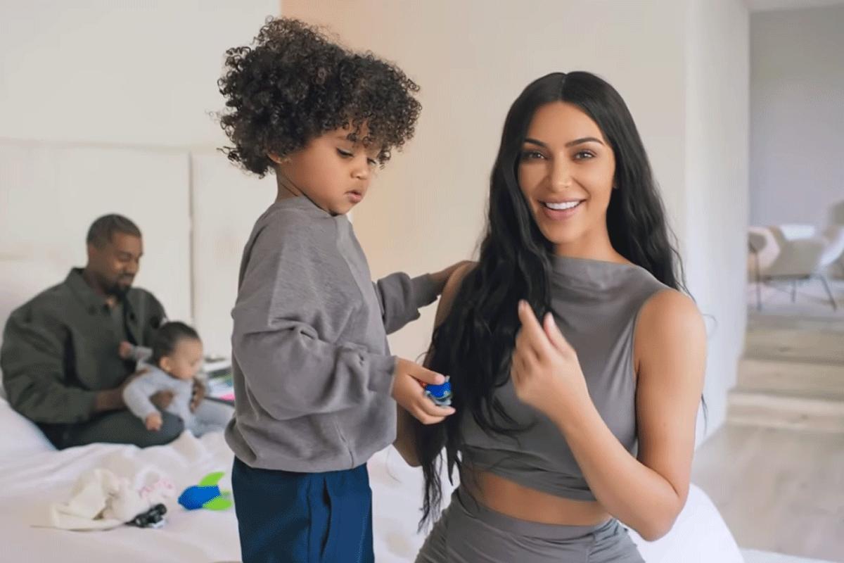 Vogue Nam Een Kijkje In De Gigantische Villa Van Kim Kardashian En Kanye West