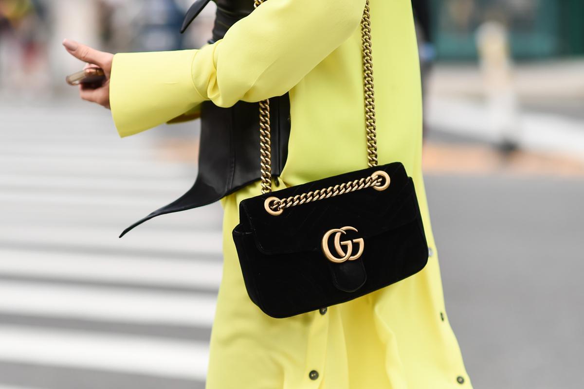 Fashionista's, opgelet: je kan binnenkort designertassen shoppen aan kortingen tot -80%