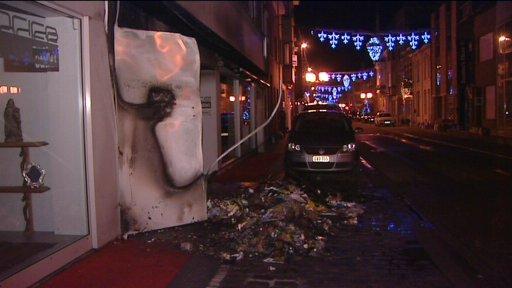 Pyromaan steekt stapels papier en karton in brand in centrum Roeselare