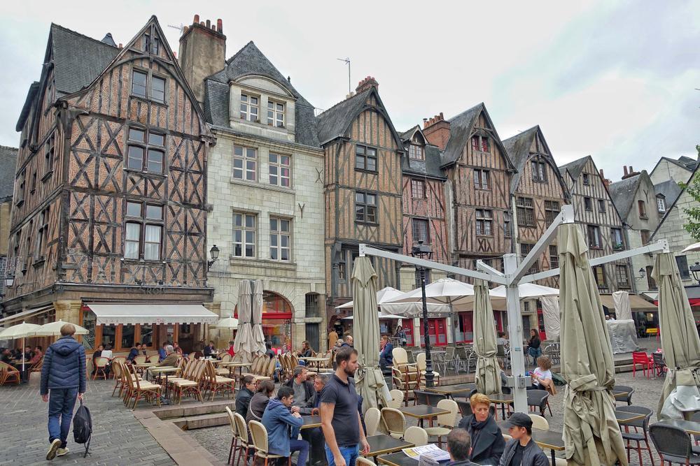 De gezellige place Plumereau. (foto Nolfinarium)