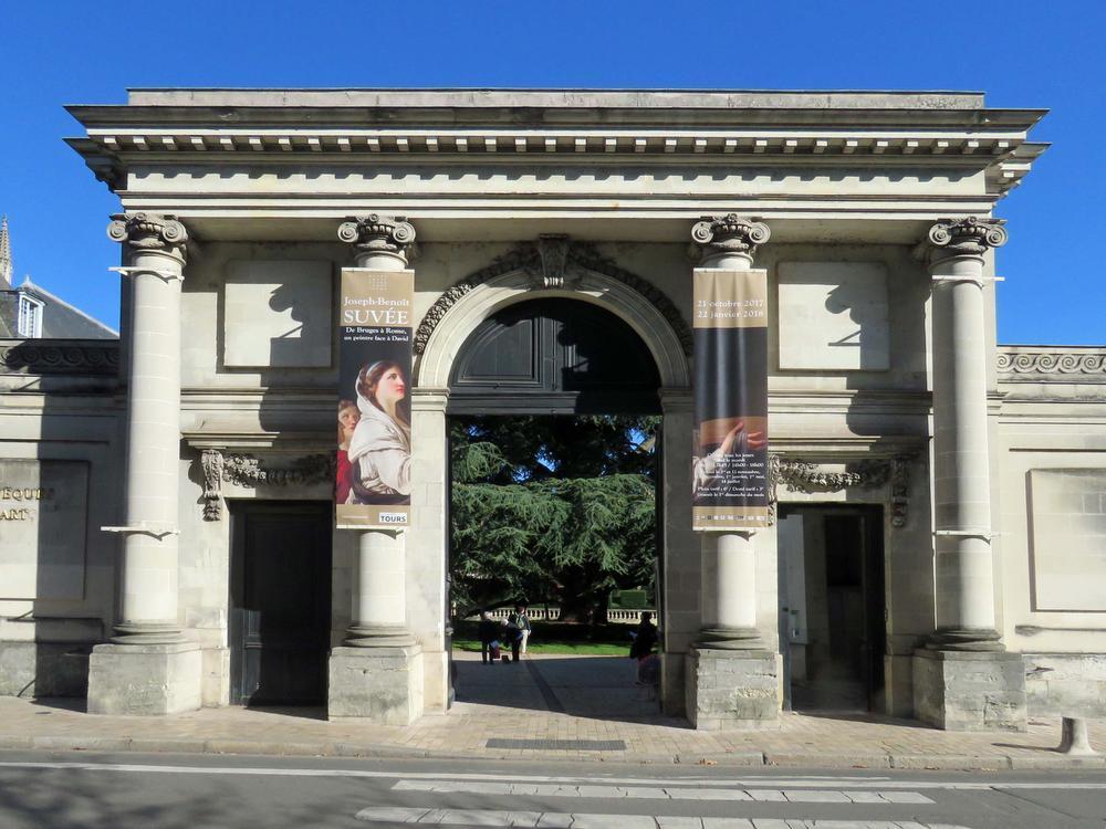 De toegang tot het Museum voor Schone Kunsten. (foto Weymeis)