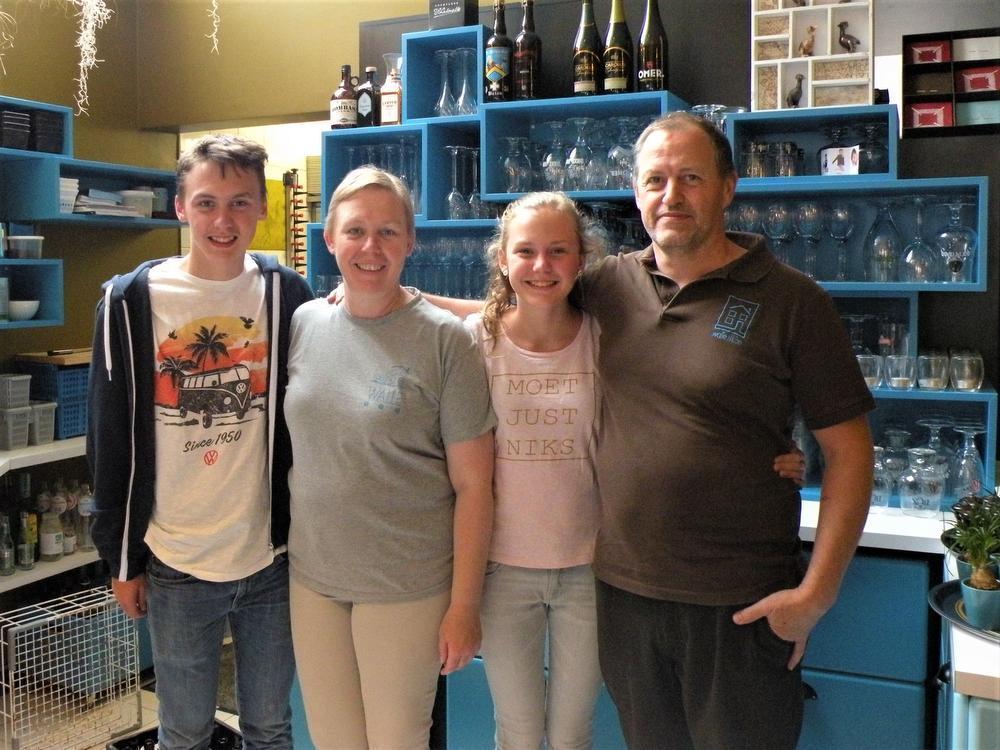 Kobe, Herlinde Vande Ghinste, Ella en Karel Callebert.