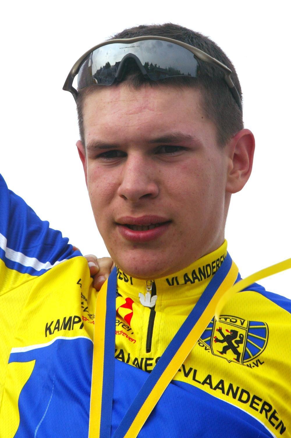 Thomas Chamon kroonde zich als jeugdrenner twee keer tot provinciaal kampioen op de weg: bij de nieuwelingen in Torhout-Wijnendale en bij de beloften in Wingene. (Foto's a-RN)