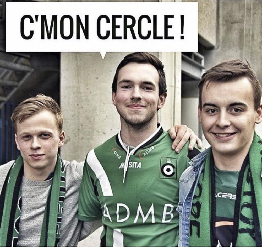 Deze foto van Beau (rechts) werd tijdens de kampioenenmatch van Cercle Brugge vertoond op een scherm in het Jan Breydelstadion in Brugge.