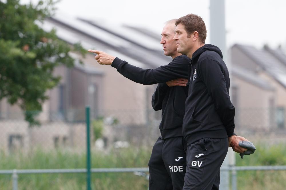 Van der Elst en Gert Verheyen samen bij KV Oostende. Verheyen stapte op, maar bedankte later voor de job van T2 bij 'zijn' Club Brugge.