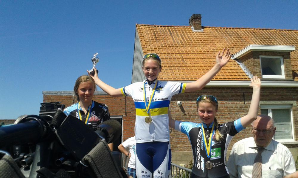 Bij de meisjes mocht Marith Vanhove juichen. Zij haalde het van Julie Hendrickx en Emke De Keyser.