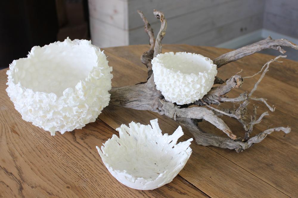 Na haar dagtaak als projectmanager in de farmaceutische sector geeft Ingeborg tijd aan haar creatieve geest. Ze maakt sier- en gebruiksvoorwerpen in porselein en keramiek.