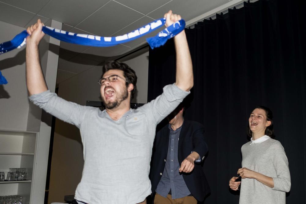 Aaron Willaert won de pronostiek. Silke Vangheluwe (rechts) werd dan weer verkozen tot beste speelster.