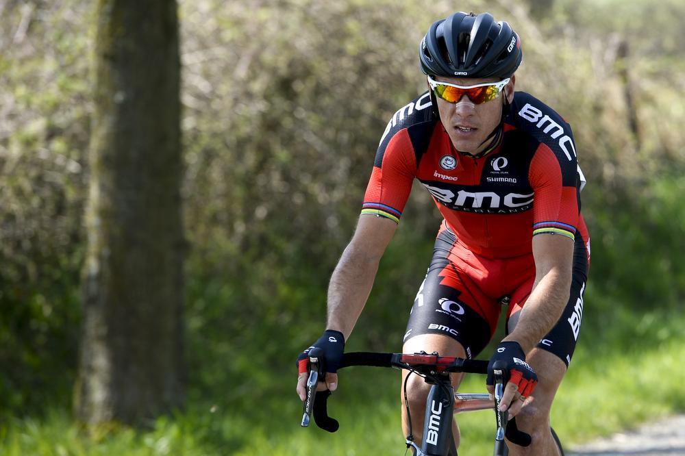 Philippe Gilbert waagde zijn kans maar kon niet voorop blijven.